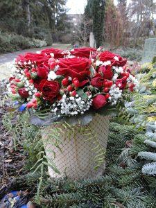 Blumen Kerzen Grabarten Dekoration